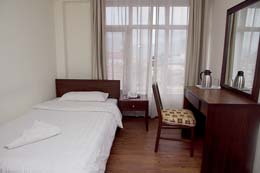 Hotel yambu single bed